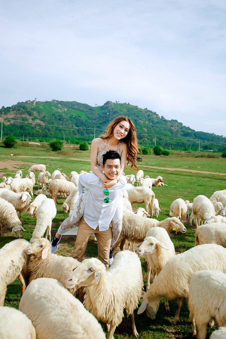 Album Ngoai Canh Ho Coc Hau & Ngan