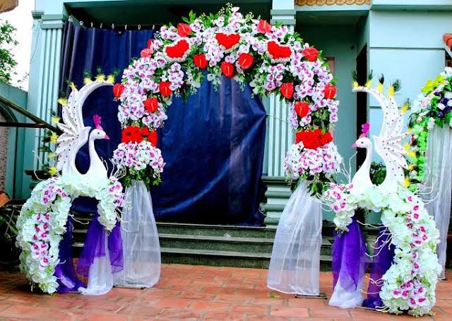 Trang trí cổng cưới