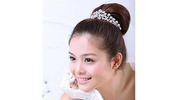 Những kiểu tóc đẹp mùa hè dành cho cô dâu