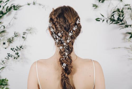 Nín thở vì những kiểu tóc tết cô dâu mùa hè tuyệt đẹp